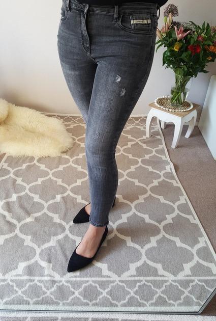 Jeans Queen Hearts